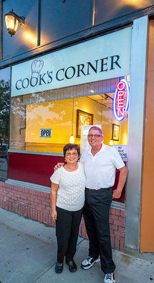 The Cook's Corner Diner   Wenatchee, WA   A Casual Dining